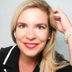 Nancy Richmond Headshot